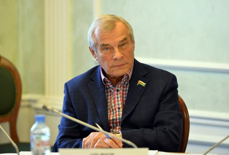 Владимир Нефедьев: совершенствование правовой культуры – один из приоритетов депутатской работы
